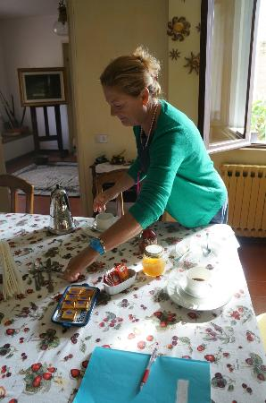 Il Brucolaio: Preparing Breakfast