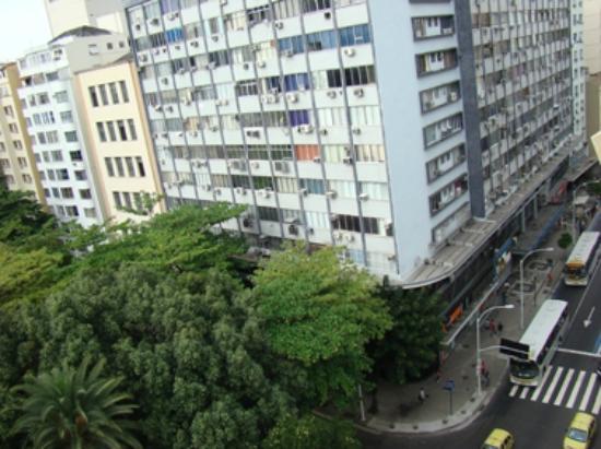 Hotel Mar Palace Copacabana: VISTA DE LA AVENIDA Y PLAZA