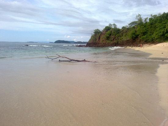 Playa Conchal: Agua cristalina