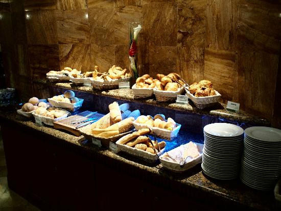 Swissotel Quito: More of breakfast buffet