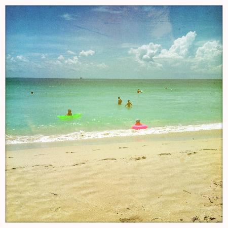 K17 Beach Club: Leisure  floating