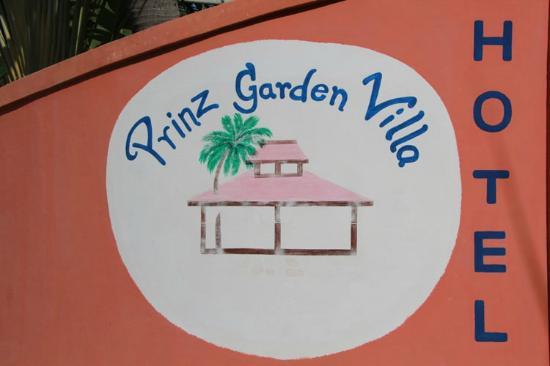 Prinz Garden Villa: Eingang