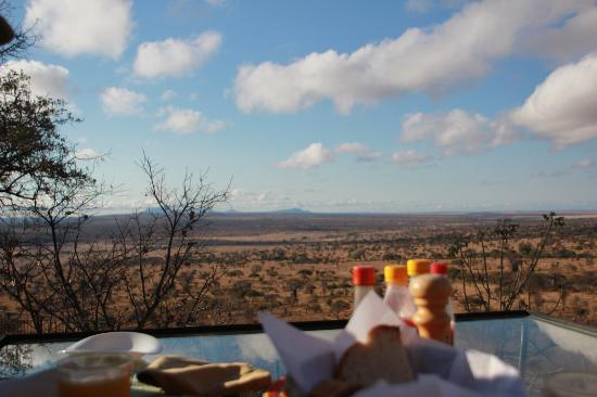 Boundary Hill Lodge: view from breakfast