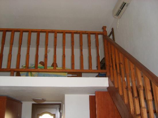 Villa Maraki : inside room