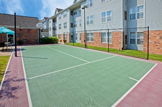Residence Inn Merrillville: Sport Court
