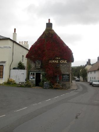 The Royal Oak: From the outside