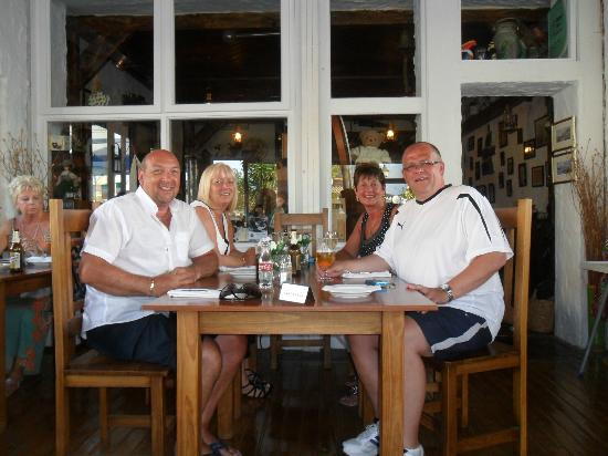 Enjoying a meal at Kate's Cottage, Torremolinos