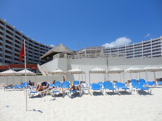 Crown Paradise Club Cancun: view from beach