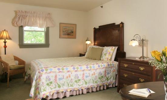 The Lafayette Inn: Room 31