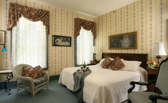The Lafayette Inn: Deluxe Room 25