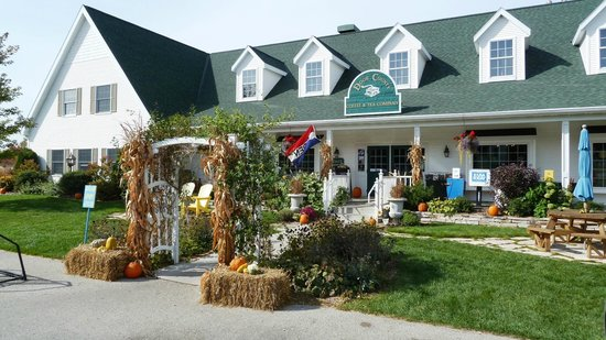 Door County Coffee and Tea Co.: Door County Coffee Cafe in Fall
