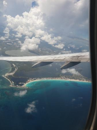 Crown Paradise Club Cancun: view of cancun from plane