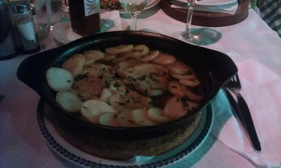O Colonial Restaurante Pork Fillets In Wine Sauce And Sliced Potatoes