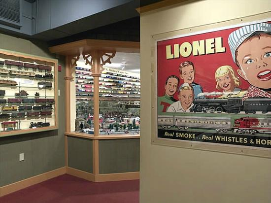 National Toy Train Museum : Lionel poster and side hall.