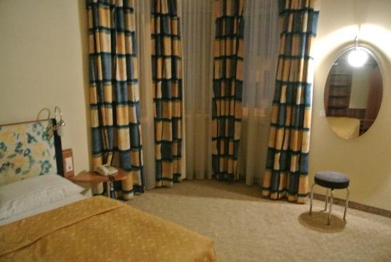 Starlight Suiten Hotel: tv / sitting room
