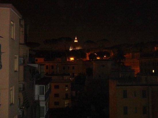 RomAnticaRoma: View from stairway to S.Pietro