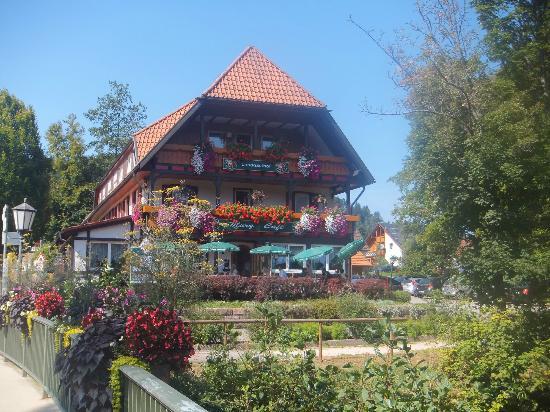 Hotel Adler-Post Obertal : Local Hotel - very pretty