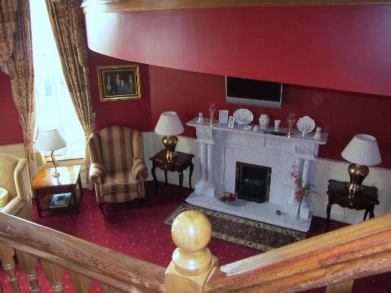 The 19th Lodge: View of the sitting room from the balcony 