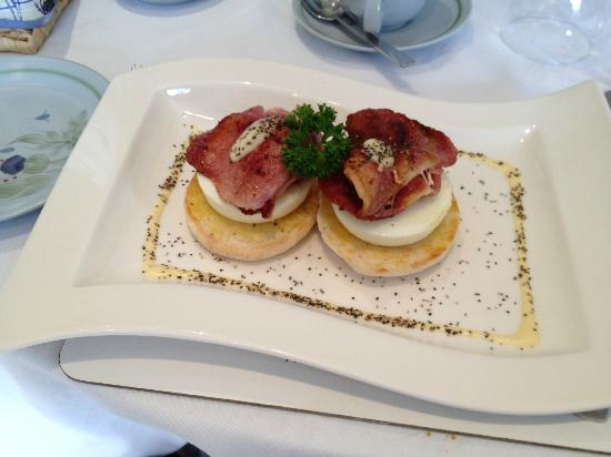 Ard-na-Coille Guest House: Jacquie's AA winning eggs Benedict