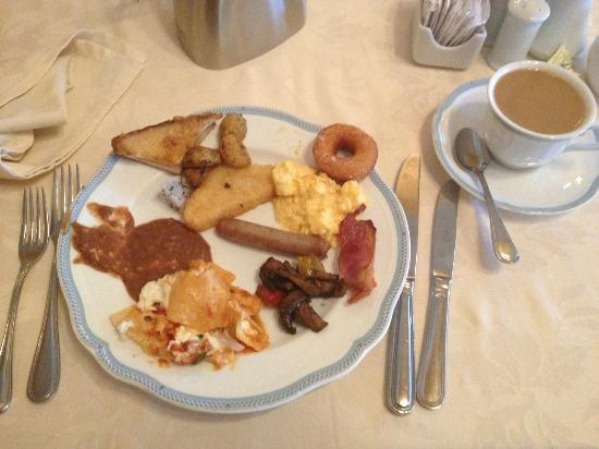 Secrets Capri Riviera Cancún: some breakfast choices at buffet