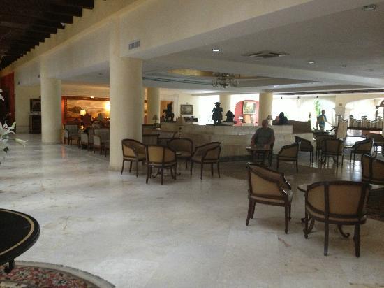 Secrets Capri Riviera Cancún: lobby