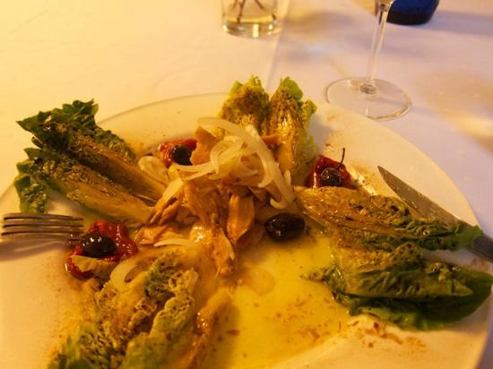 Meson Arropain Restaurante : Starter - tuna salad - Ensalada de ventresca