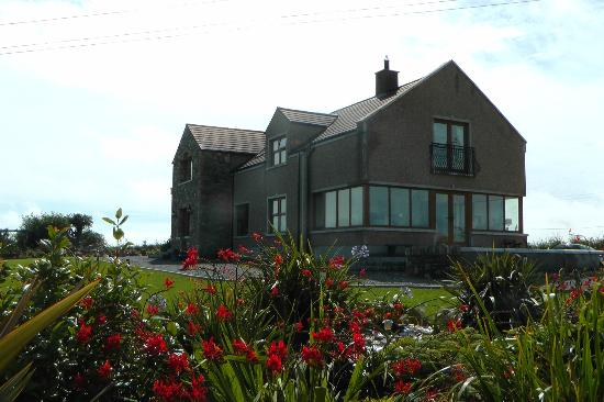 Ardbrae Country House: front