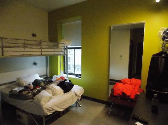 Hostelling International - Boston: Inside of Hostel Room 2