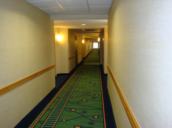 SpringHill Suites Galveston Island: Hallway 4th Floor--Very Clean