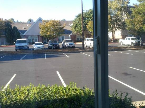 Fairfield Inn & Suites Atlanta Kennesaw: Parking right outside your window