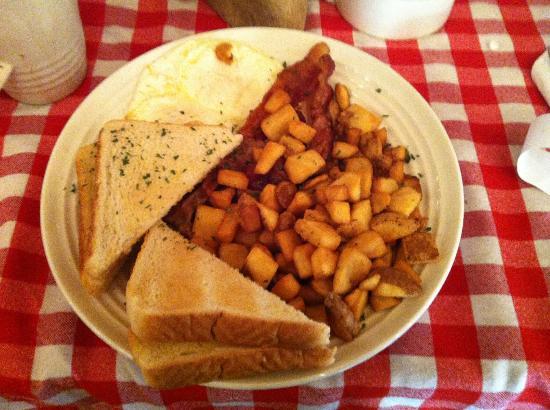 Elk Springs Resort: Elk Springs Breakfast...Yum!