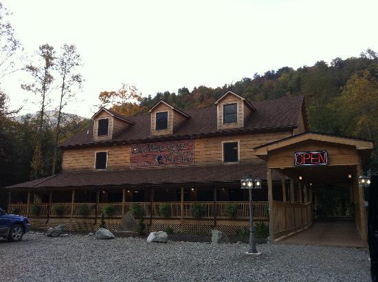 Elk Springs Resort: Ellie May's Restaurant and Fly Shop