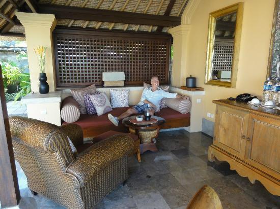 Four Seasons Resort Bali at Jimbaran Bay : Room afternoon reading area