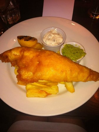 The Red Lion: Fish & Chips with Mushy Peas