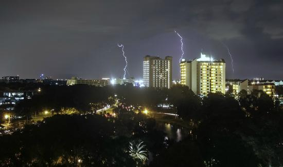 Hilton Orlando Lake Buena Vista - Disney Springs™ Area: Lightning seen from the window