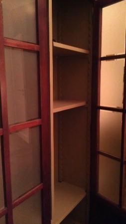 B&B Terre Neuve: Closet