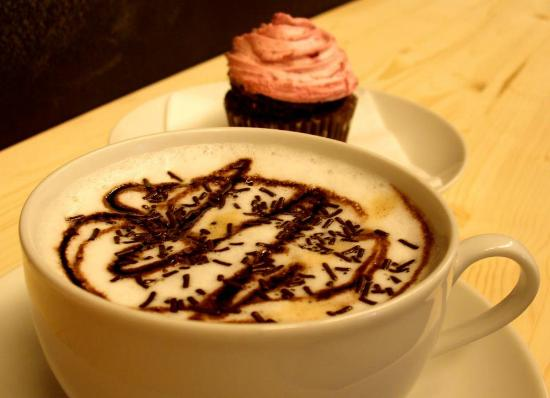 Cupies Gourmet: Our Cappuccino with chocolate or caramel topping.