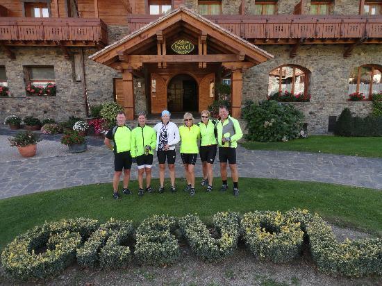 Hotel Grevol Spa: Outside front entrance