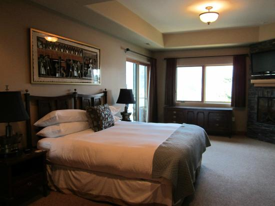 Columbia Cliff Villas Hotel: Master suite