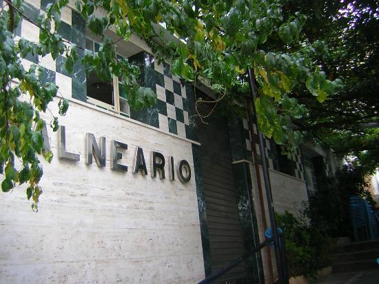 Hotel Balneario de Fuencaliente: Entrada Balneario y Consultorio Médico