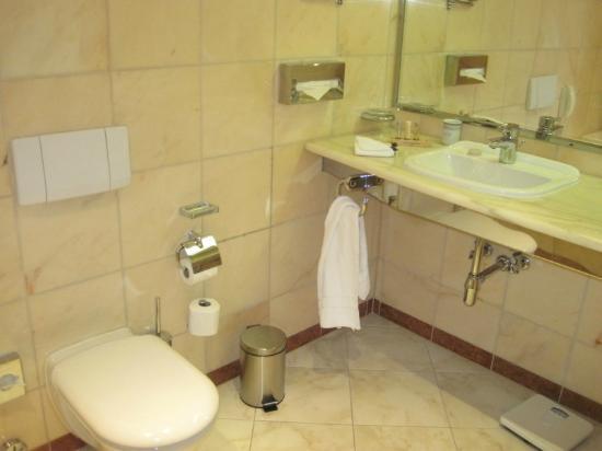 Grandhotel Pupp: Bathroom