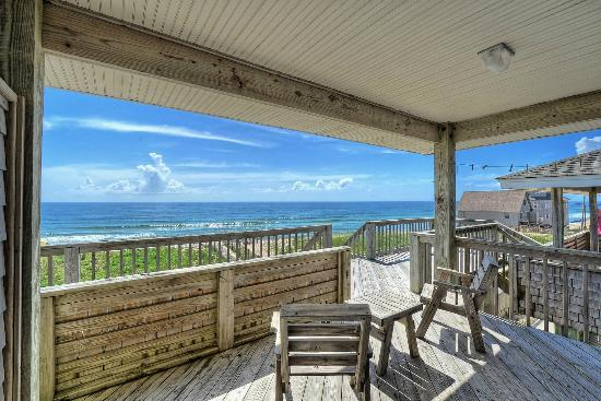 Lighthouse View Oceanfront Lodging: Oceanfront Semi-private decks