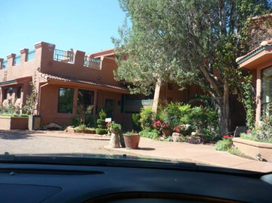 Casa Sedona Inn: This is the front of the building