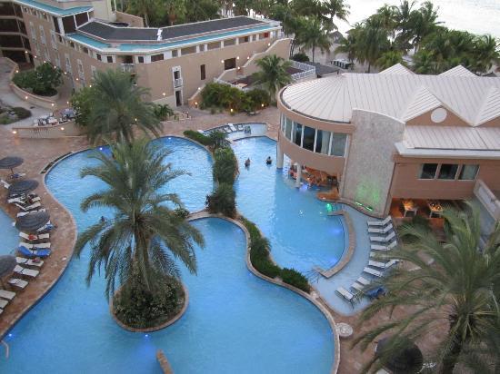 Divi Aruba Phoenix Beach Resort: Pool view from room