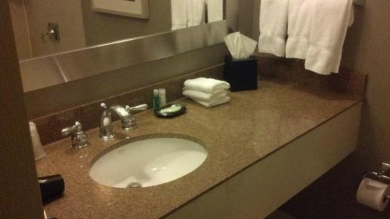 The Westin Cincinnati: Bathroom