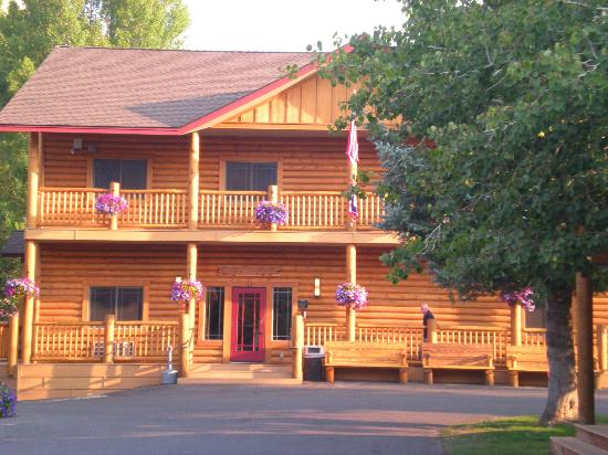 Cowboy Village Resort: Cowboy Village Lodge/Office