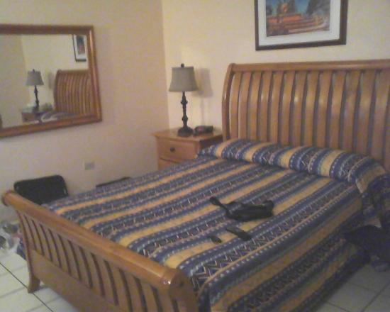 The Fajardo Inn : Comfortable beds sper clean sheets