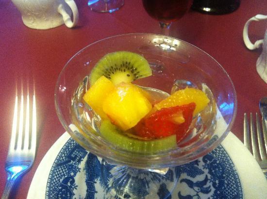 برويستر هاوس بيد آند بريكفاست: fresh fruit 