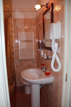 La Torre: bagno camera 4