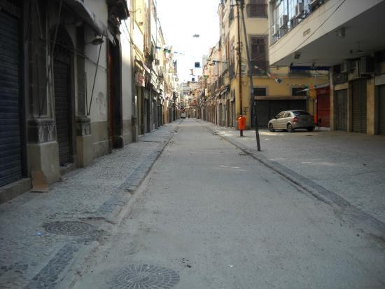 Saara Shopping District: Domingo todo cerrado